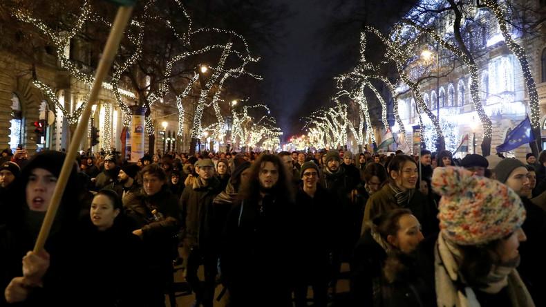 Erneut Tausende bei Protesten gegen Ungarns Regierung