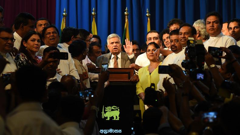 Sri Lankas Präsident vereidigt Premierminister nach Entlassung wieder