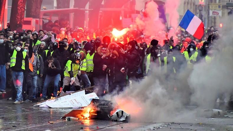 """BBC wollte """"um jeden Preis"""" russische Spur hinter Protesten in Frankreich finden"""