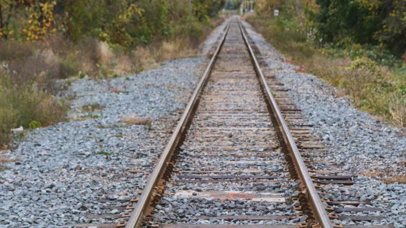Zwei Polizisten in Chicago bei Ermittlungen von Zug überrollt