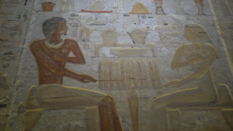 Eine Sensation jagt die Nächste: 4.400 Jahre altes Grab in Ägypten präsentiert