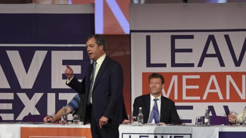 """Farage fertigt EU ab: """"Ein antidemokratischer Ort mit einem Haufen nicht gewählter Gangster"""""""