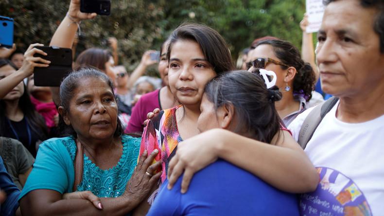 El Salvador: Vergewaltigungsopfer freigelassen – ihr drohten 20 Jahre Haft für angebliche Abtreibung