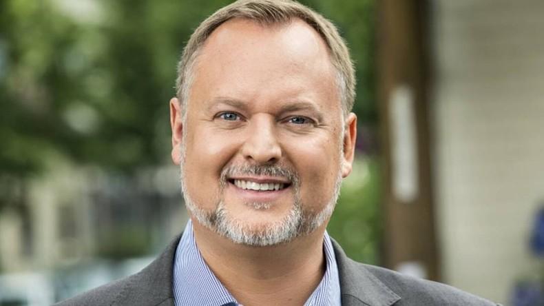 """Interview mit Bezirksstadtrat von Berlin-Neukölln: """"Bei Clanmitgliedern Rolex einkassieren"""""""
