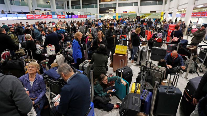Scharfschützen suchen am Londoner Flughafen nach Drohnenpiloten