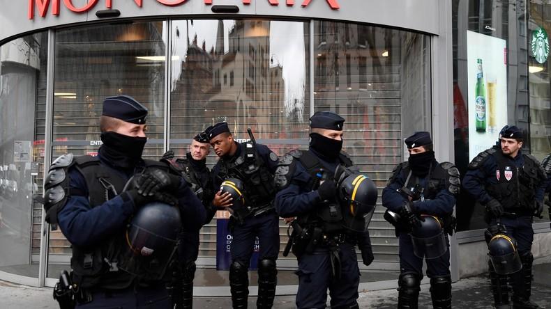 LIVE: Nach wochenlangen Gelbwesten-Protesten – Polizei fordert bessere Bedingungen