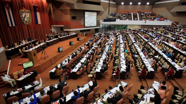Kuba nimmt Streben nach Kommunismus doch in neue Verfassung auf