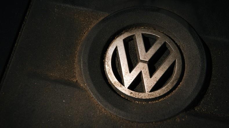 """Volkswagen stellt """"Auffälligkeiten"""" bei Kontrolle der neuen Abgas-Software fest"""