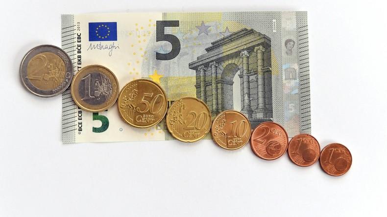 Mindestlohn steigt im neuen Jahr um 35 Cent - Arbeitgeber warnen vor Gefahr für Standort Deutschland