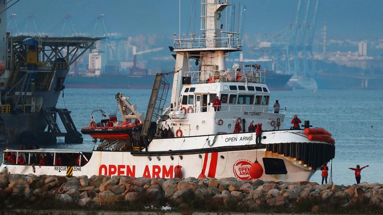 Rettungsschiff mit mehr als 300 Migranten in Spanien eingetroffen