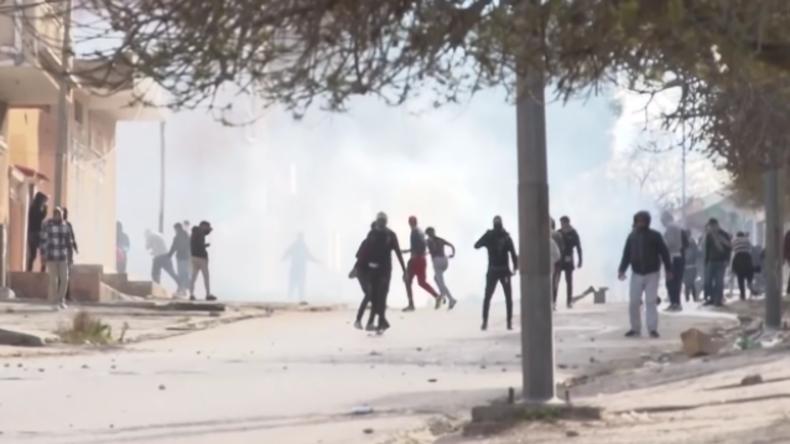 Tunesien: Wütende Proteste nach Journalisten-Selbstverbrennung wegen miserabler Wirtschaftslage