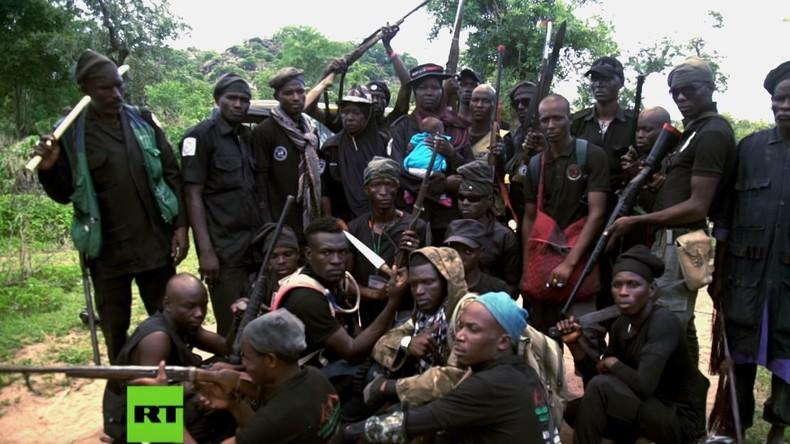 Die Jagd auf Boko Haram: Wie Nigerias Bürgerwehr die Terroristen bekämpft (Video-Reportage)