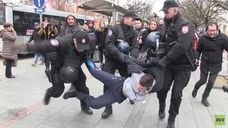 Protestwelle erfasst Westbalkan: Wer ist der Mörder von David Dragičević?