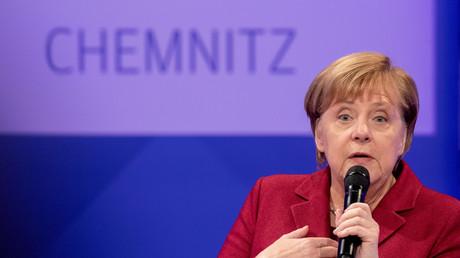 Wer ist hier schlecht integriert? Angela Merkel bei einer öffentlichen Debatte in Chemnitz im November 2018