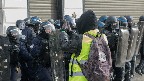 Vergangenen Samstag in Paris: Massive Polizeikräfte bewachen den Champs Elysees.