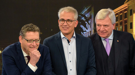 Die Spitzenkandidaten nach der Hessen-Wahl am 28. Oktober 2018 (v.l.n.r.): Thorsten Schäfer-Gümbel (SPD), Tarek Al-Wazir (Die Grünen), Volker Bouffier (CDU). Die Regierungsbildung ist seitdem in der Schwebe – und der Palantir-Untersuchungsausschuss zahnlos.