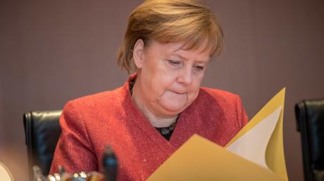 Bundeskanzlerin Angela Merkel (CDU) am 12. Dezember 2018 vor Beginn einer Kabinettssitzung im Kanzleramt in Berlin