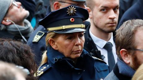 Traut sie sich aufs Tempelhofer Feld oder nicht? Barbara Slowik bei der Gedenkfeier am Breitscheidplatz am Mittwoch.