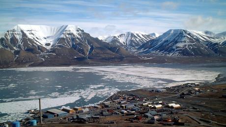 Bankraub ohne Fluchtweg: Mann überfällt Bank auf norwegischem Archipel Spitzbergen