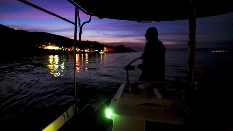 Griechische Küstenwache greift Dutzende Migranten in der Ägäis auf