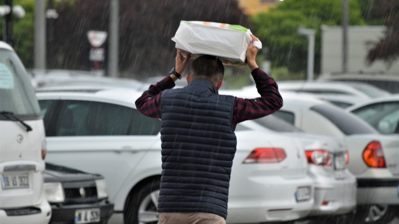 Türkische Einzelhändler müssen für Plastiktüten Geld verlangen