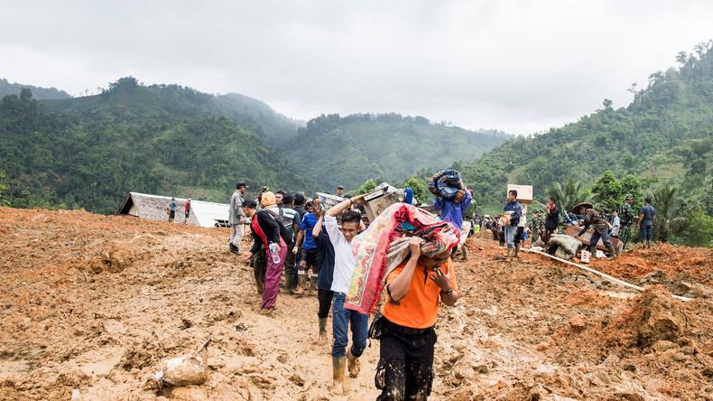 Erdrutsch begräbt 30 Häuser in Indonesien – Dutzende Vermisste