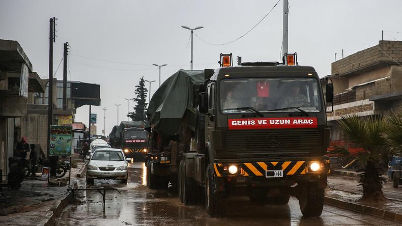 Türkei: Weitere Konvois mit Kriegsgerät Richtung syrische Grenze