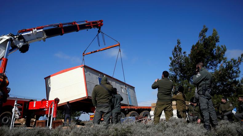 Mehrere Verletzte und Festnahmen: Israelische Polizei räumt illegalen Außenposten Amona