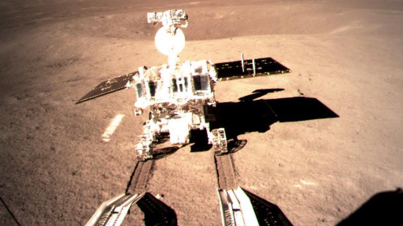 """Chinas Mond-Rover """"Jadehase 2"""" rollt nach historischer Landung los"""