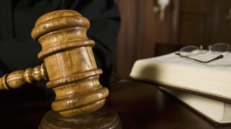 Fürs Leben gelernt: Zwei Drogendealer entkommen Haft, weil Richter ihre gute Schreibweise lobt