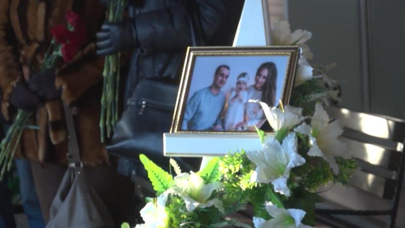 Russland: Erste Opfer des Einsturzes des Magnitogorsker Gebäudes beerdigt