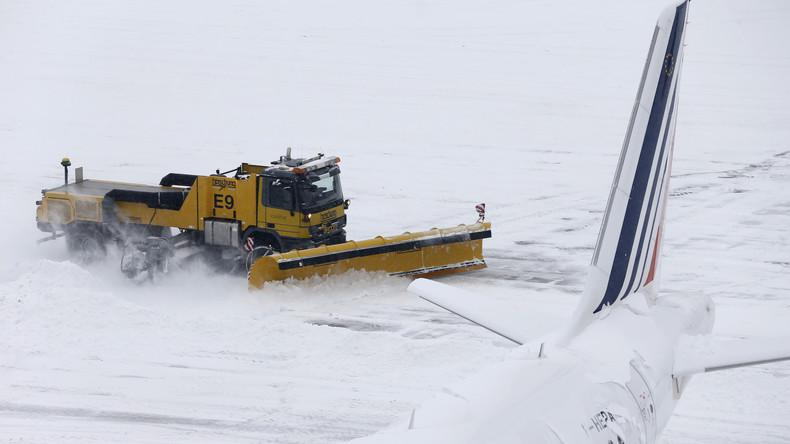 120 Flüge fallen in München wegen Schnee aus