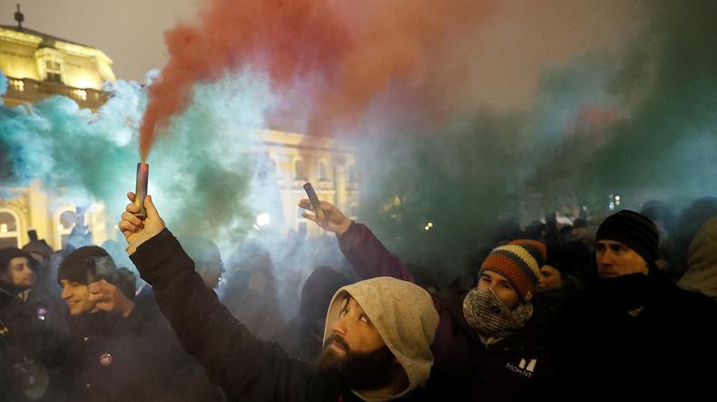 "LIVE: Proteste in Budapest gegen ""Sklavengesetz"""