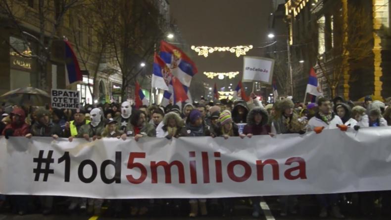 Serbien: Tausende trotzen der Kälte in der fünften Woche der Proteste in Belgrad