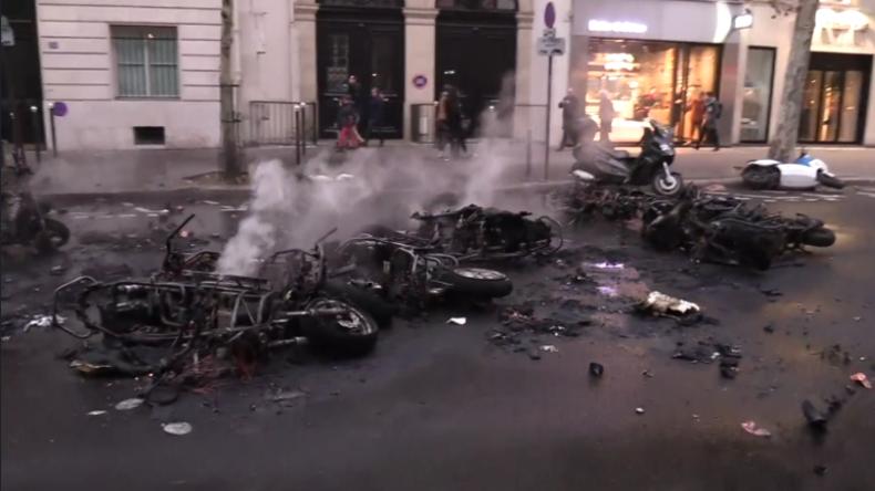 """""""Es sah aus wie im Bürgerkrieg"""" – Heftige Zusammenstöße bei Gelbwesten-Protesten in Frankreich"""