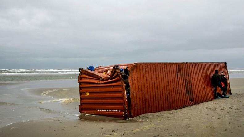 Nach Havarie in der Nordsee: Großteil der Container geortet