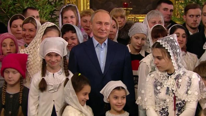 Russland: Putin besucht Weihnachtsmesse in seiner Heimatstadt St. Petersburg