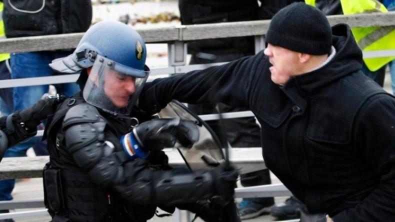 """""""Gelbwesten-Rocky"""": Erst vermöbelte er Polizisten, dann stellte er sich (Video)"""