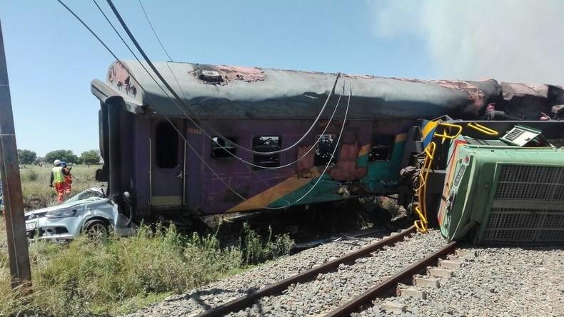 Drei Tote und bis zu 600 Verletzte bei Zugunglück in Südafrika