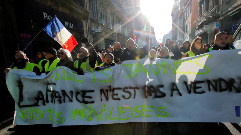 Über Finanzsystem Macron zu Reformen zwingen: Frankreichs Gelbwesten planen Ansturm auf Banken