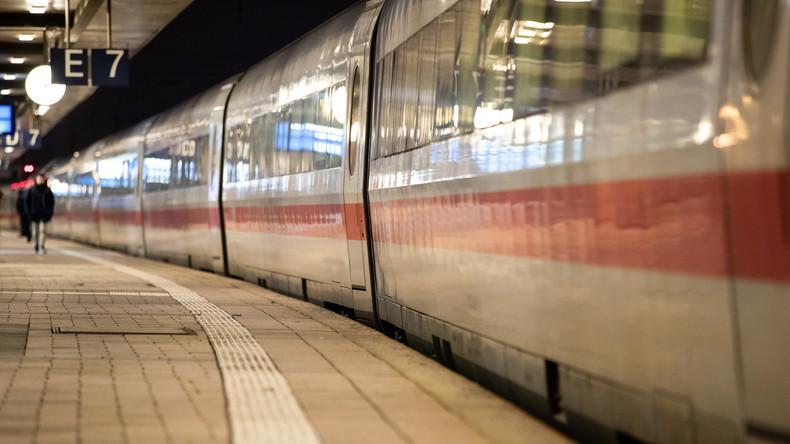Betrunkener Lokführer verpasst Halt - Bahn kündigt Konsequenzen an