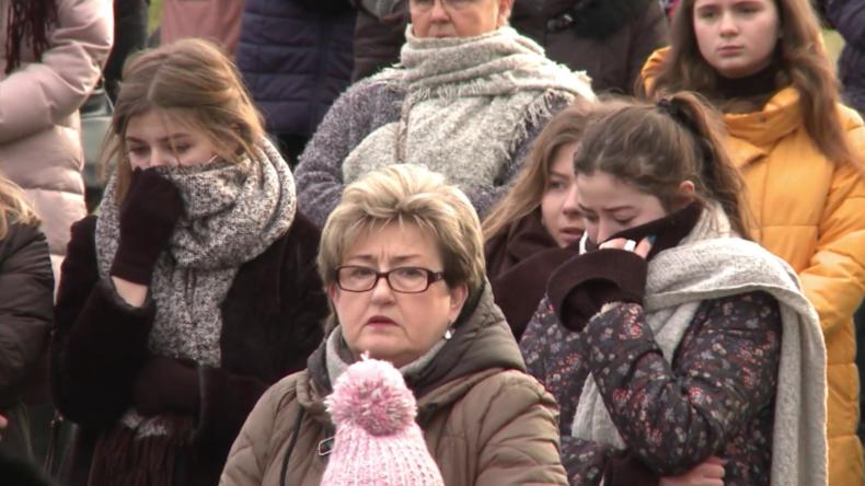 Polen: Beerdigung für jugendliche Opfer des Brandes im Fluchtraum