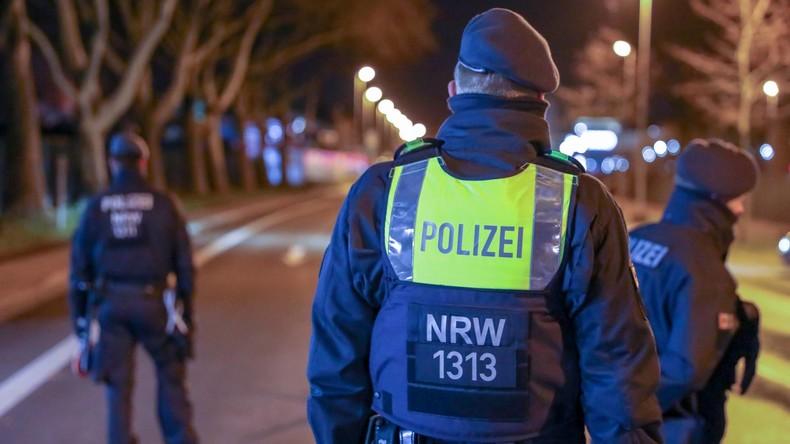 Serie von Bombendrohungen an deutschen Landgerichten - in Kiel mit Neonazi-Unterzeichnung