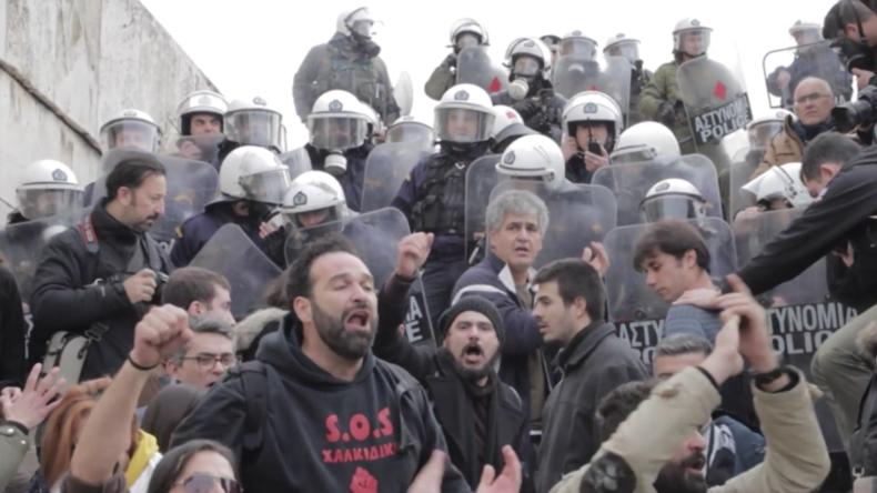Griechenland: Lehrer-Demo in Athen stößt mit Polizei zusammen