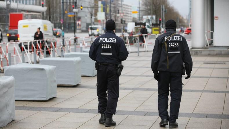 Berlin: Betrüger gaben sich als Polizisten aus – 65.000 Euro beschlagnahmt