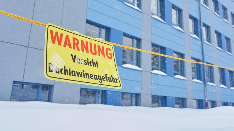 In Oberbayern mehr als 20 Zentimeter Neuschnee - Unfälle und Straßensperrungen