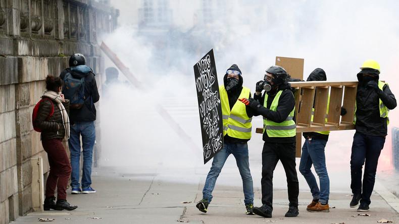 Lkw-Fahrer nach Tod eines Gelbwesten-Demonstranten verhaftet