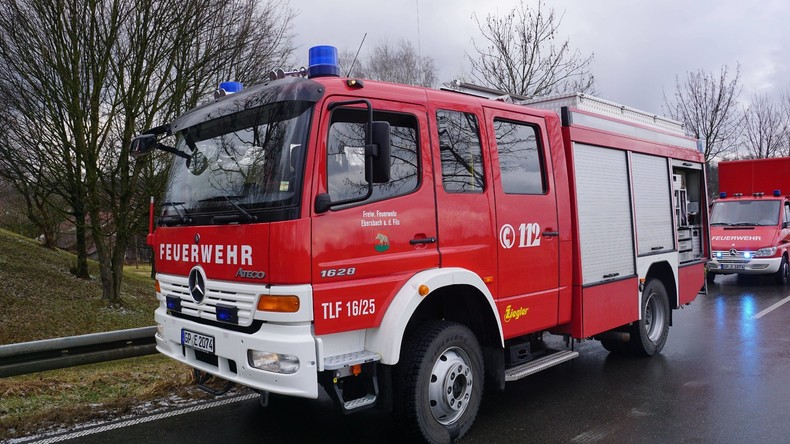 Explosion zerstört Reihenhaus - 71-Jährige schwer verletzt