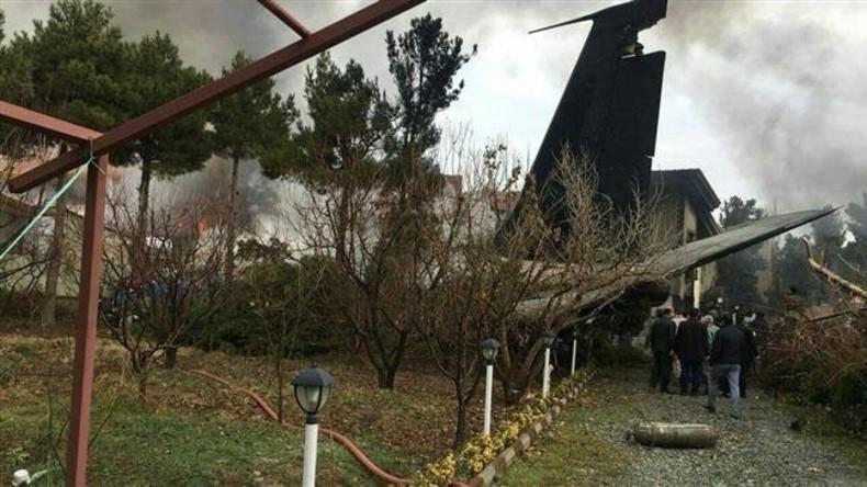 Iranisches Frachtflugzeug zerschellt bei Notlandung