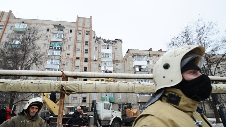 Erdgasexplosion in Wohnhaus in Russland – eine Tote, vier Vermisste, Kind aus Trümmern gerettet